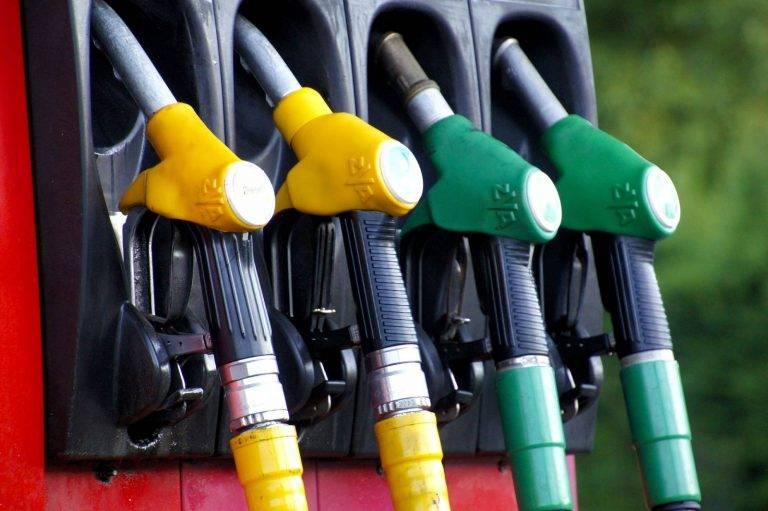 Kierowcy wściekli na rząd PiS. Od przyszłego roku paliwo znowu w górę!